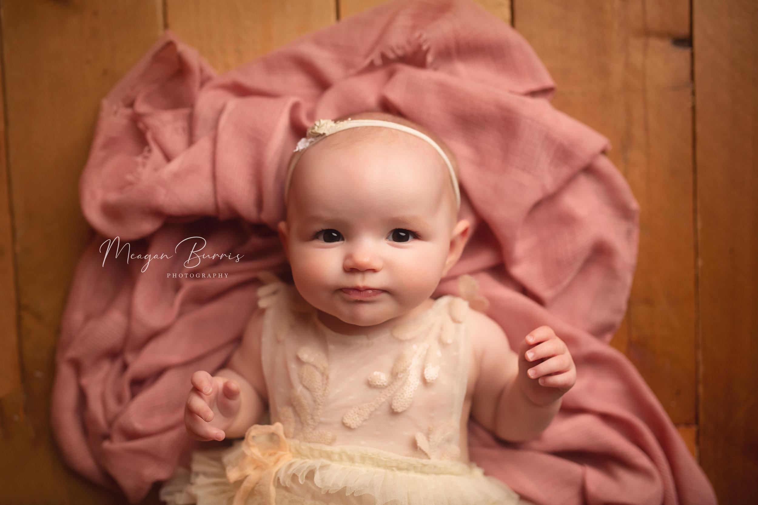 Adeline_greenwood indiana baby photographer2.jpg