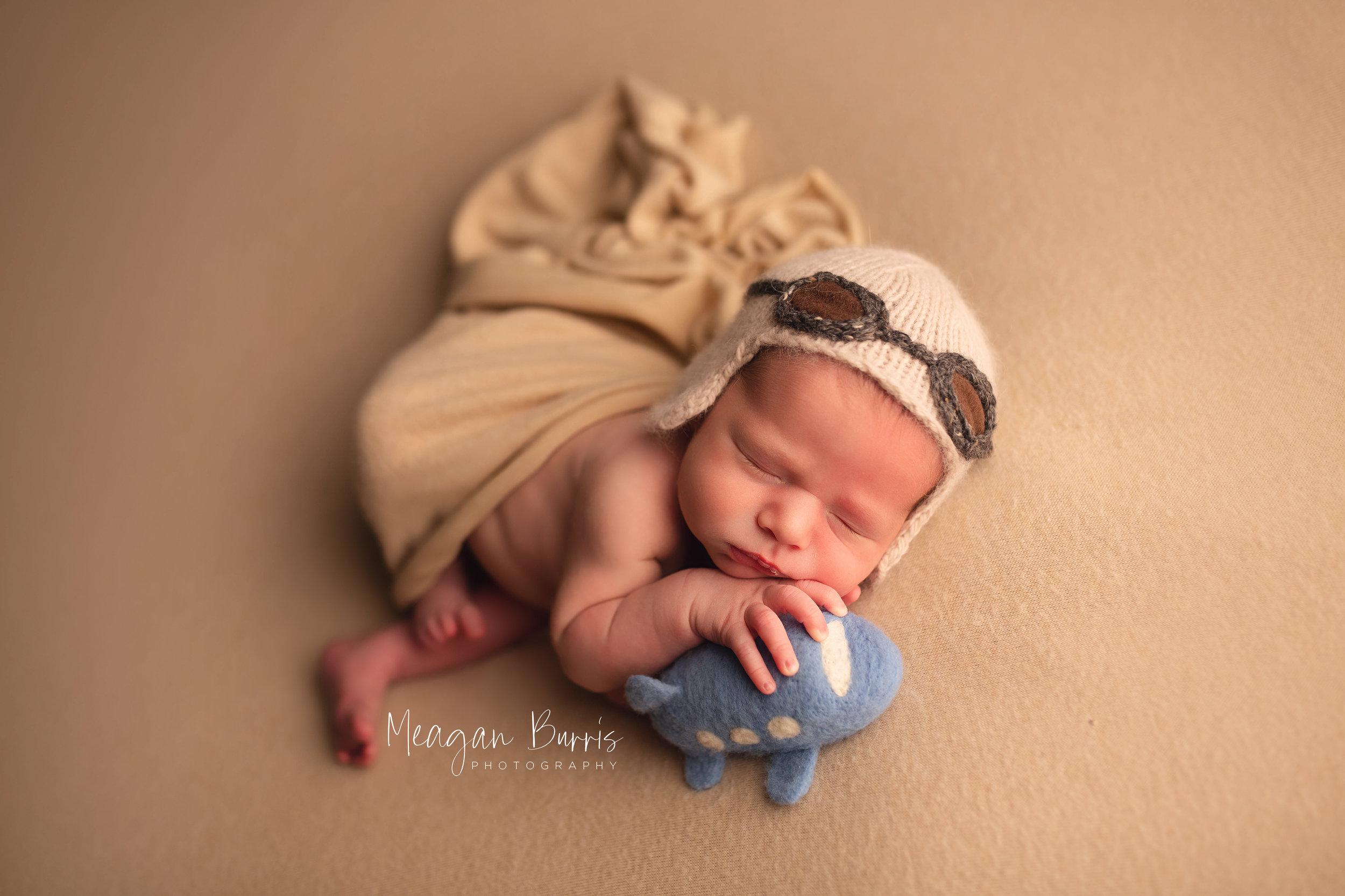 gentryL_ new palestine newborn photographer6.jpg
