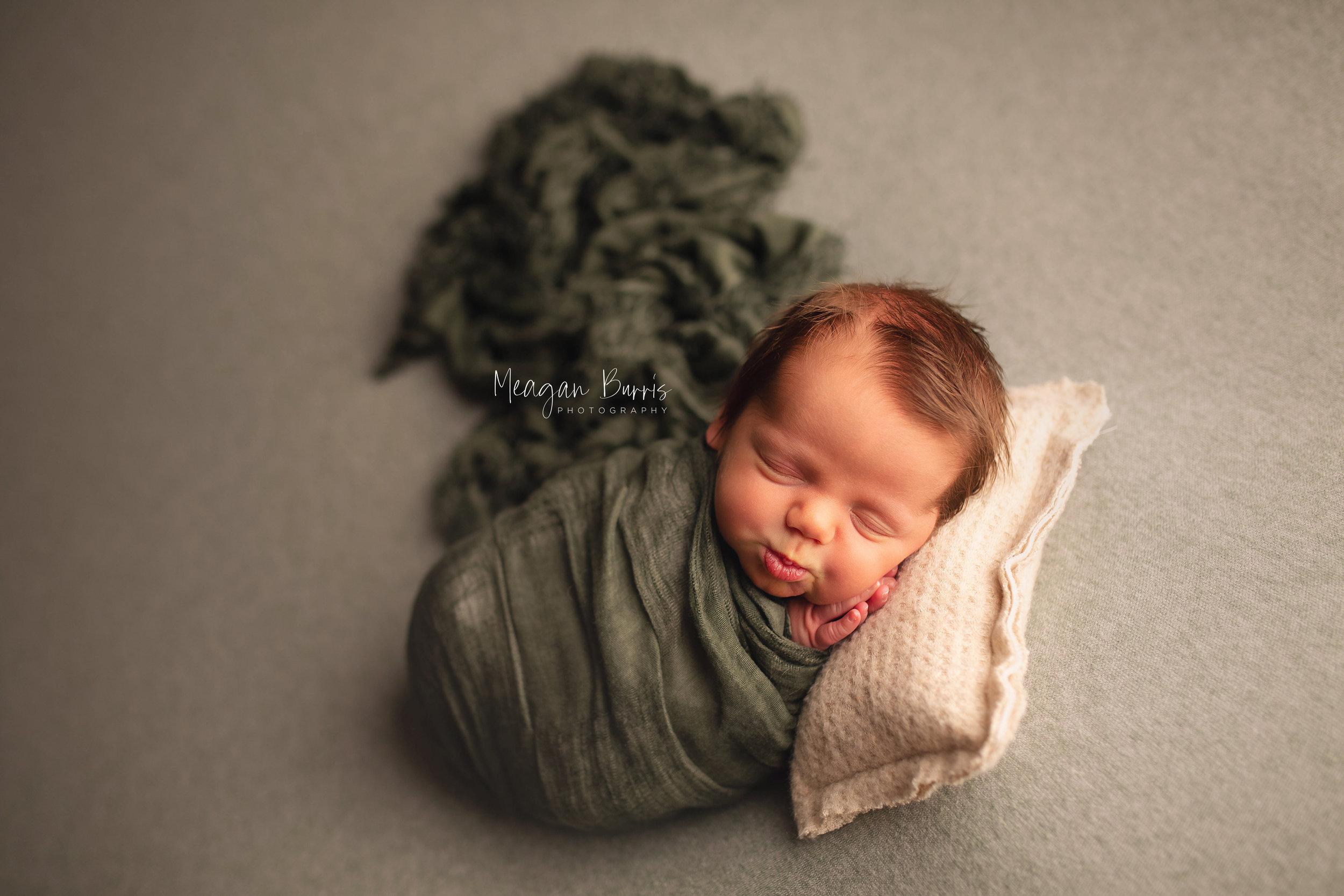alexB_ indianapolis newborn photographer3.jpg