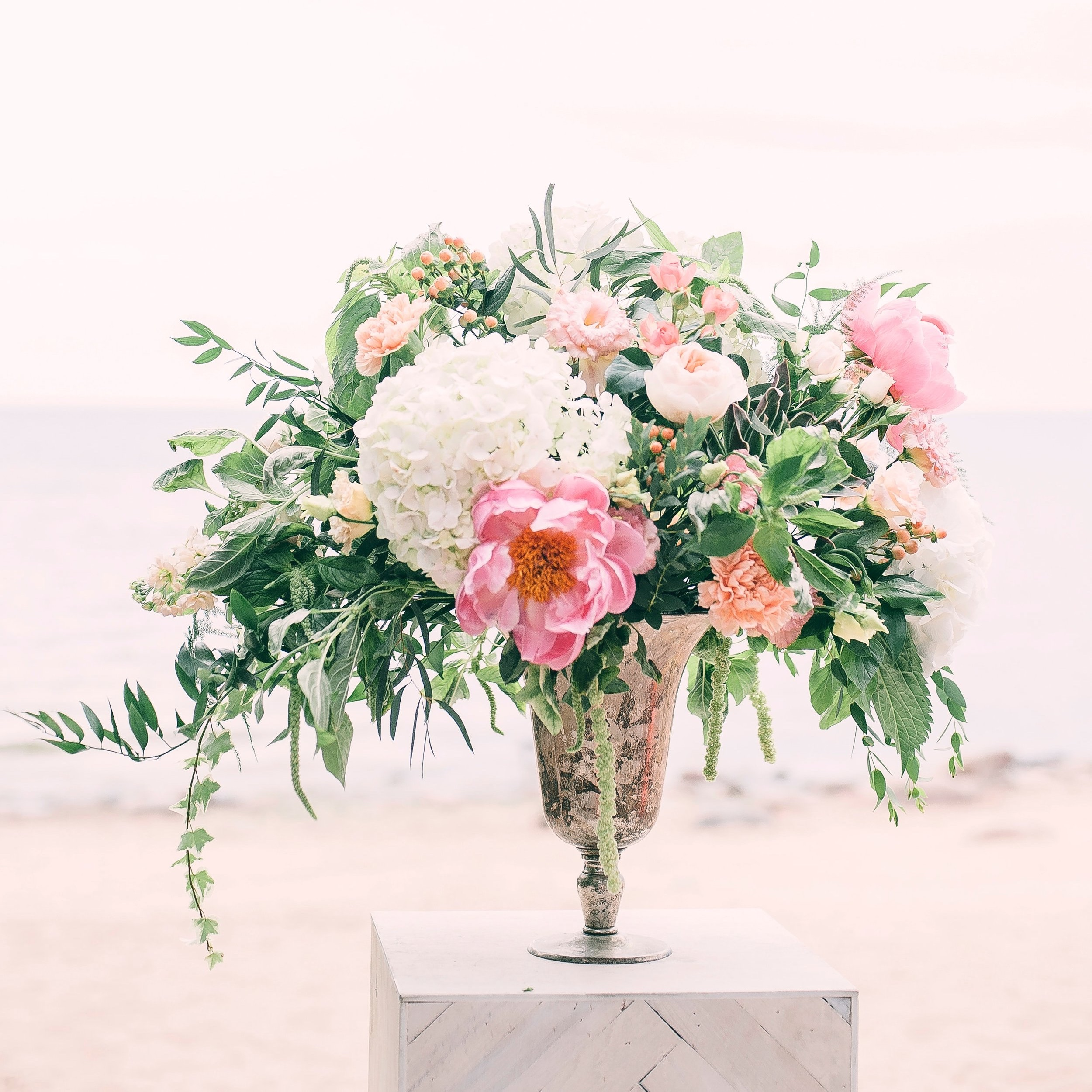 beautiful-blooming-bouquet-1070860.jpg