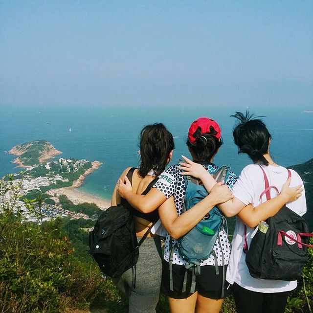 Hong Kong you absolute beaut today 🌞 #dragonsback #sundayfunday #sundayhike #hellocrazyfringe @olvyu