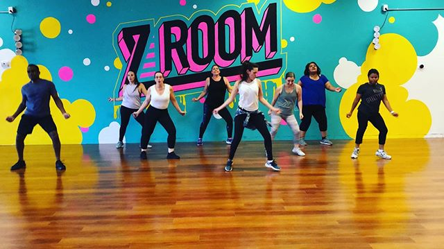 We're shakin it every Saturday morning at Zumba with Jackie at 9am! Don't miss out on the fun at the Tempe studio! #zumbawithjackie #zumba #zumbafitness #zumbainstructor #zroom #zroomtempe #zroomofficial #studiozumba #zumbaintempe #dancefitness #cardio #dance #workout