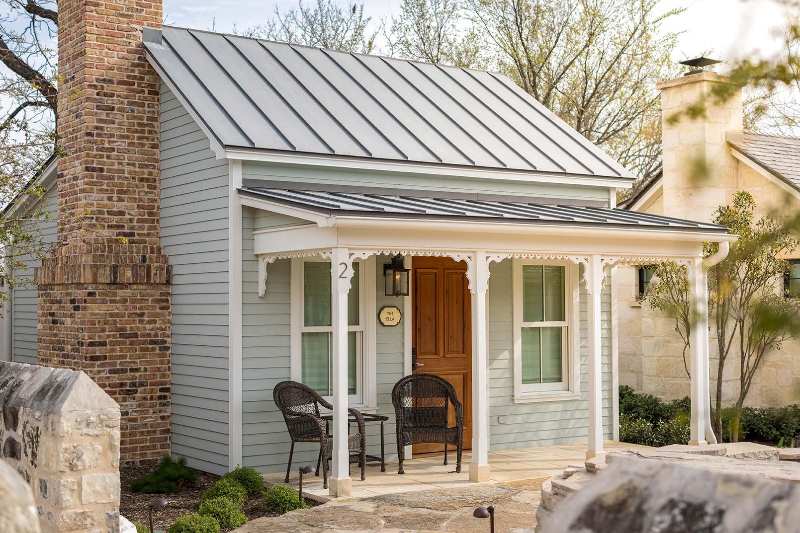 blacksmith-quarters-fredericksburg-realty-hill-countryt-cabins.jpg