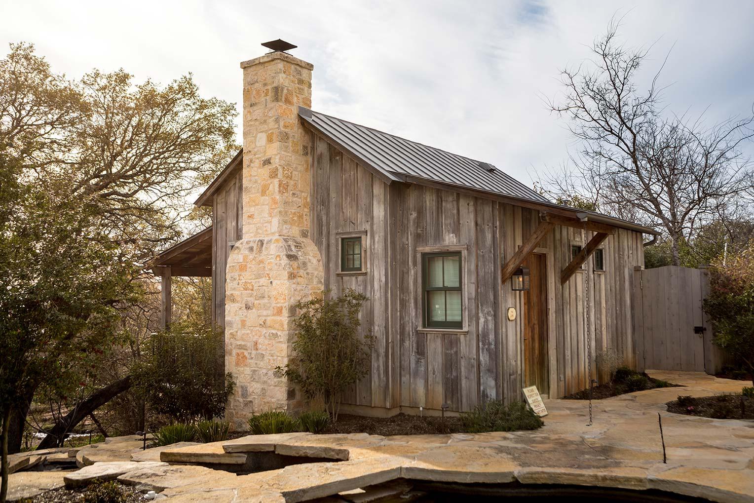 blacksmith-quarters-fredericksburg-realty-bnb-texas-commercial-realestate.jpg