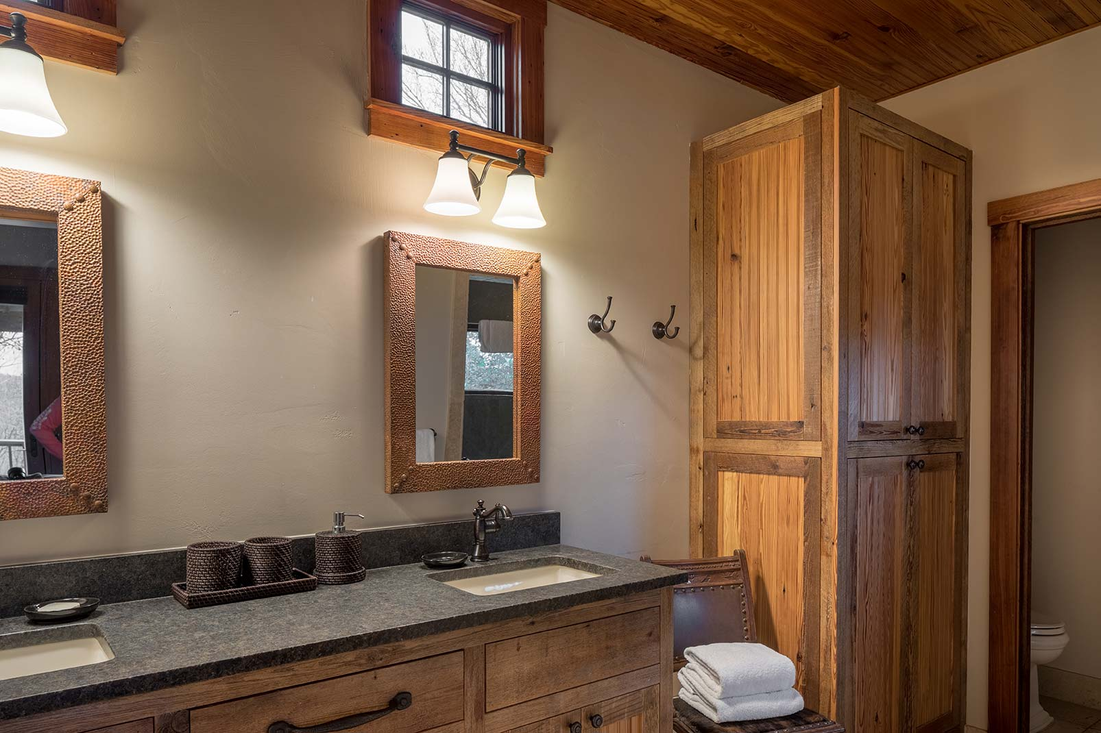blacksmith-quarters-fredericksburg-realty-texas-commercial-real-estate-for-sale-bathroom-investment-spa.jpg
