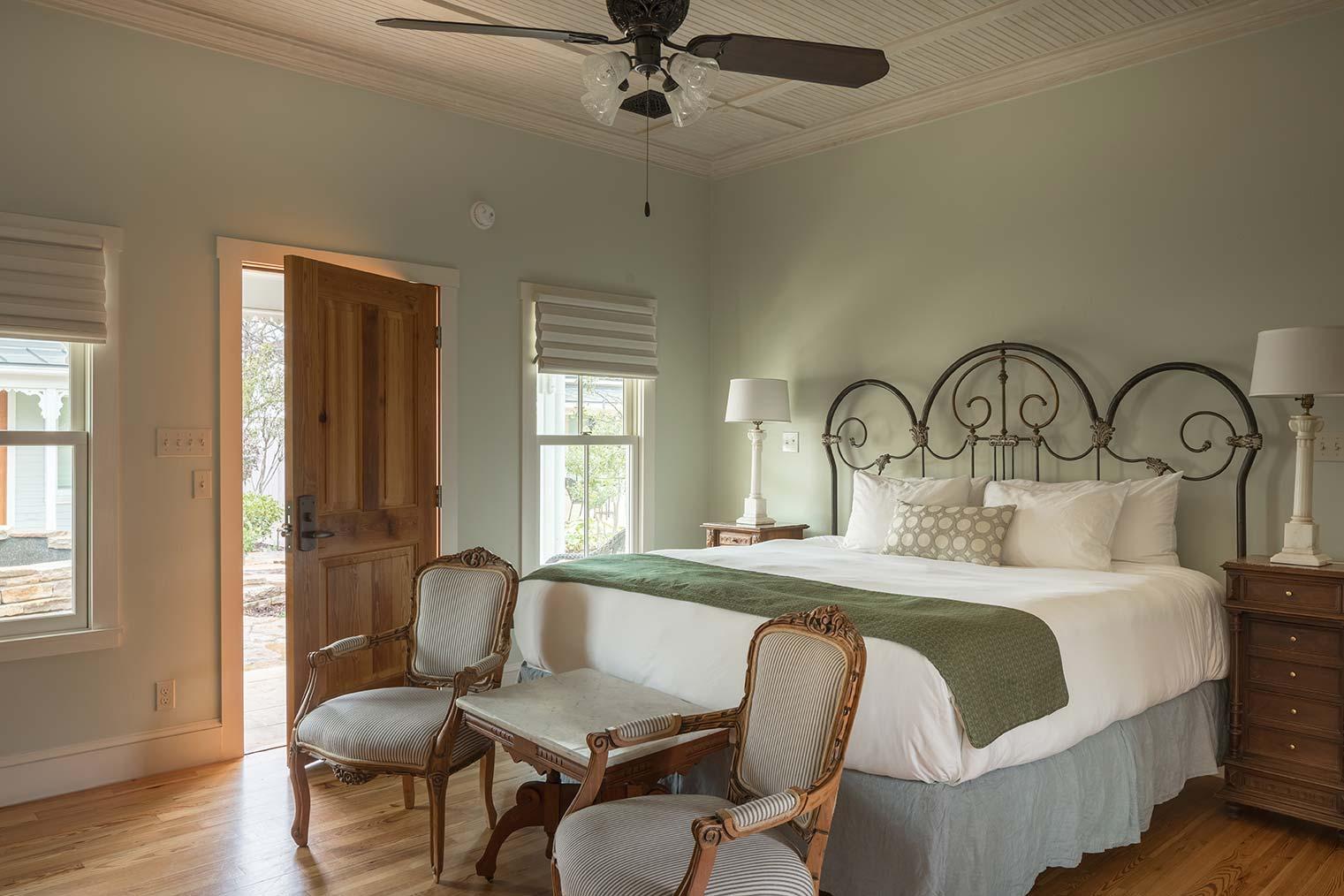 blacksmith-quarters-fredericksburg-realty-texas-commercial-real-estate-for-sale-investment-hospitality.jpg