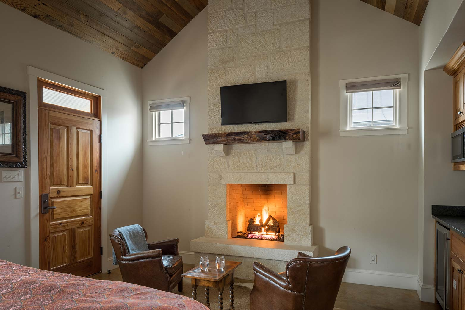 blacksmith-quarters-fredericksburg-realty-texas-commercial-real-estate-for-sale-fireplace-cozy-investment.jpg