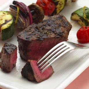 Grilled_Filet_Mignon_with_Vegetable_Kebabs.jpg