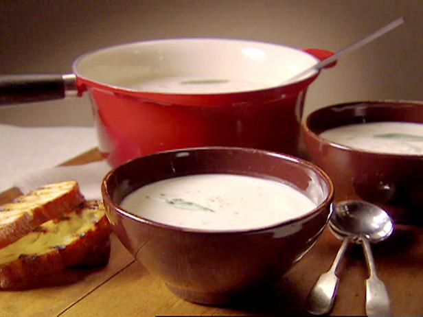 Tuscan_White_Bean_and_Garlic_Soup.jpg