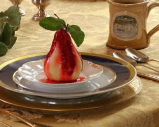 POACHED_PEARS_WITH_RASPBERRY_SAUCE.jpg