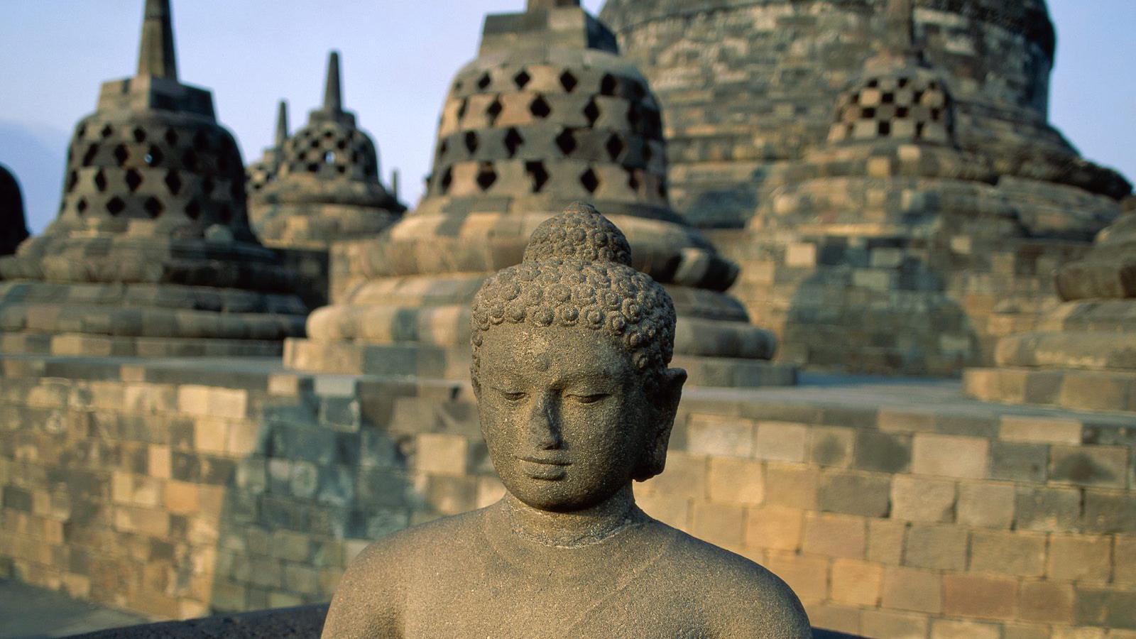 Borobudur, Java, Indonesia.jpg