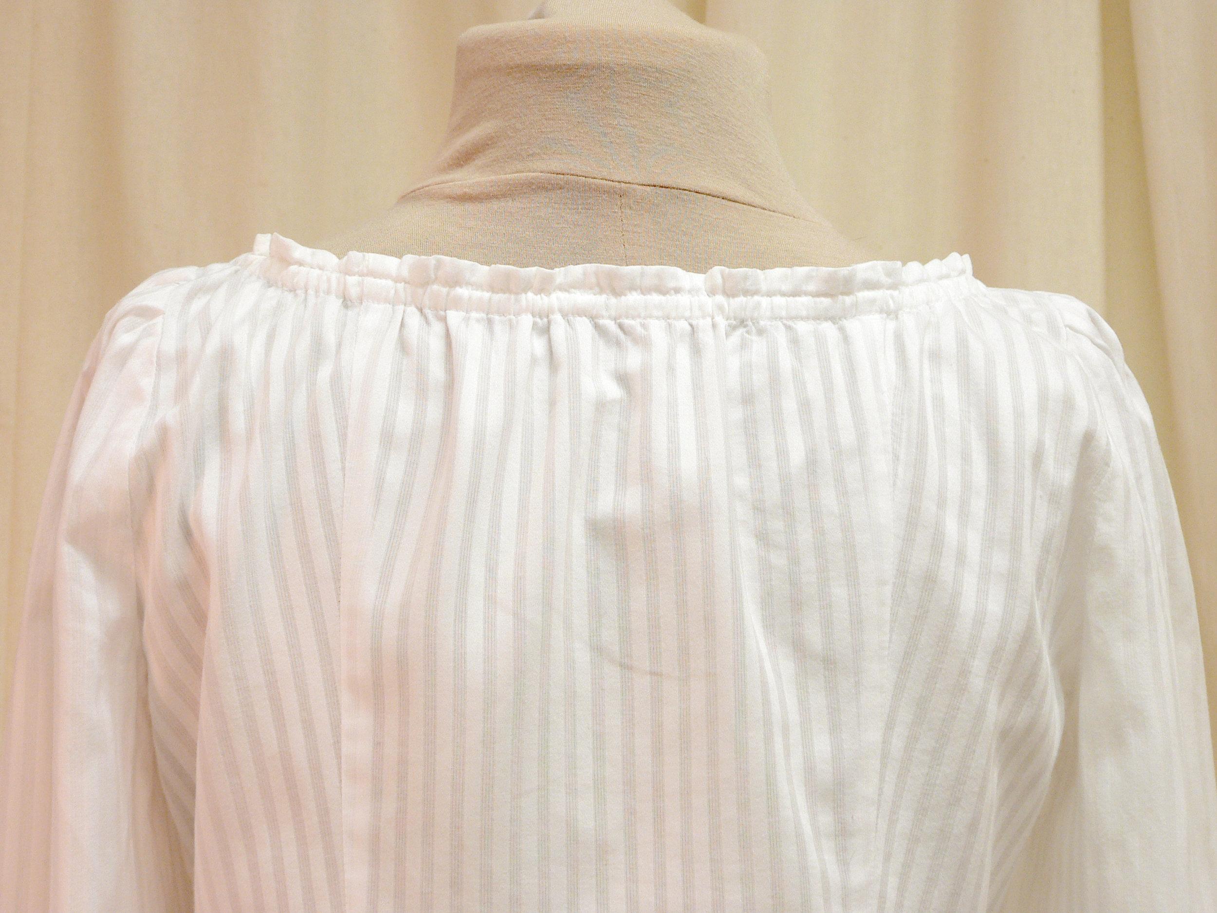 blouse07_back_detail.jpg