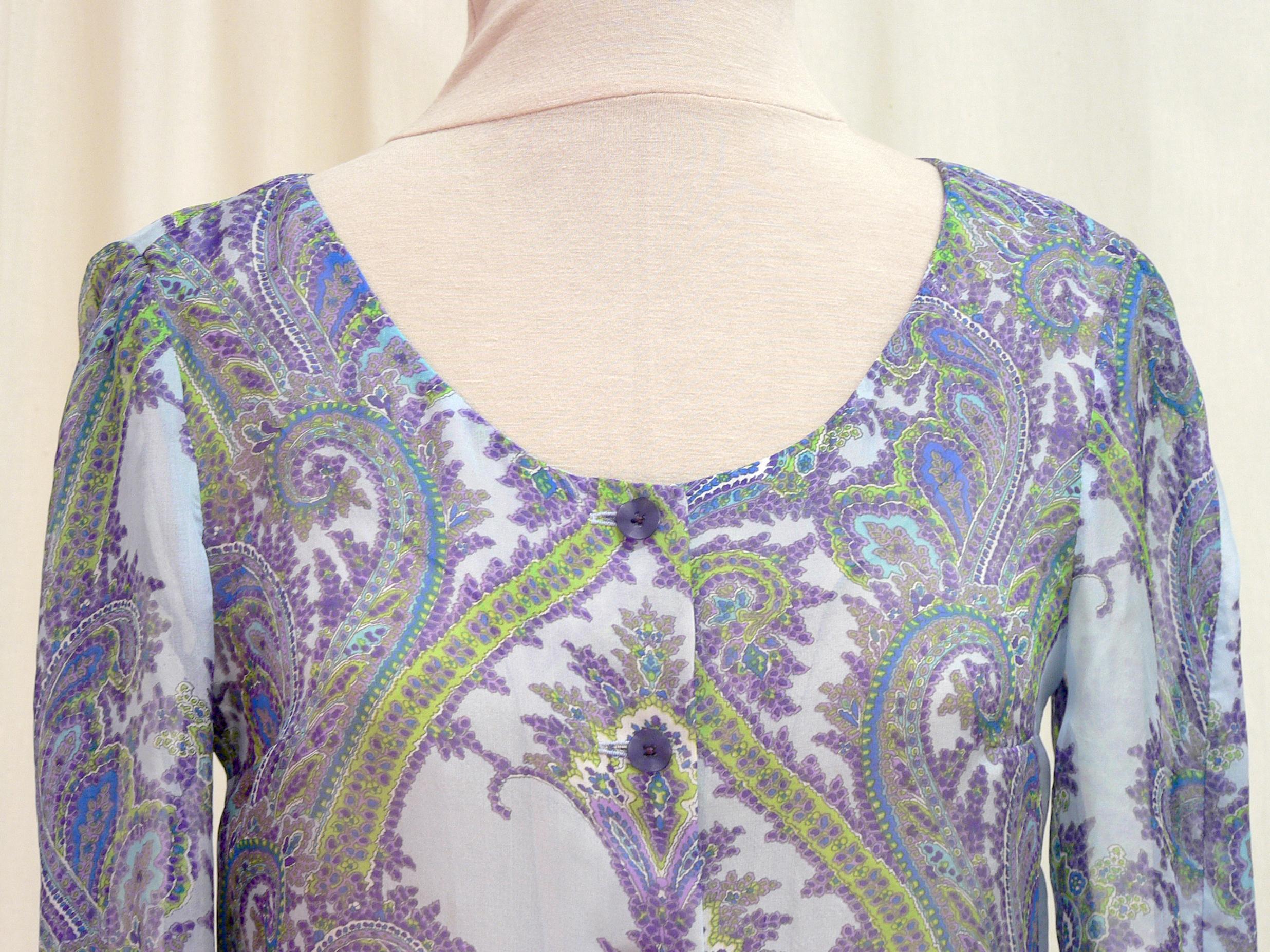 2013-06 neckline detail.jpg