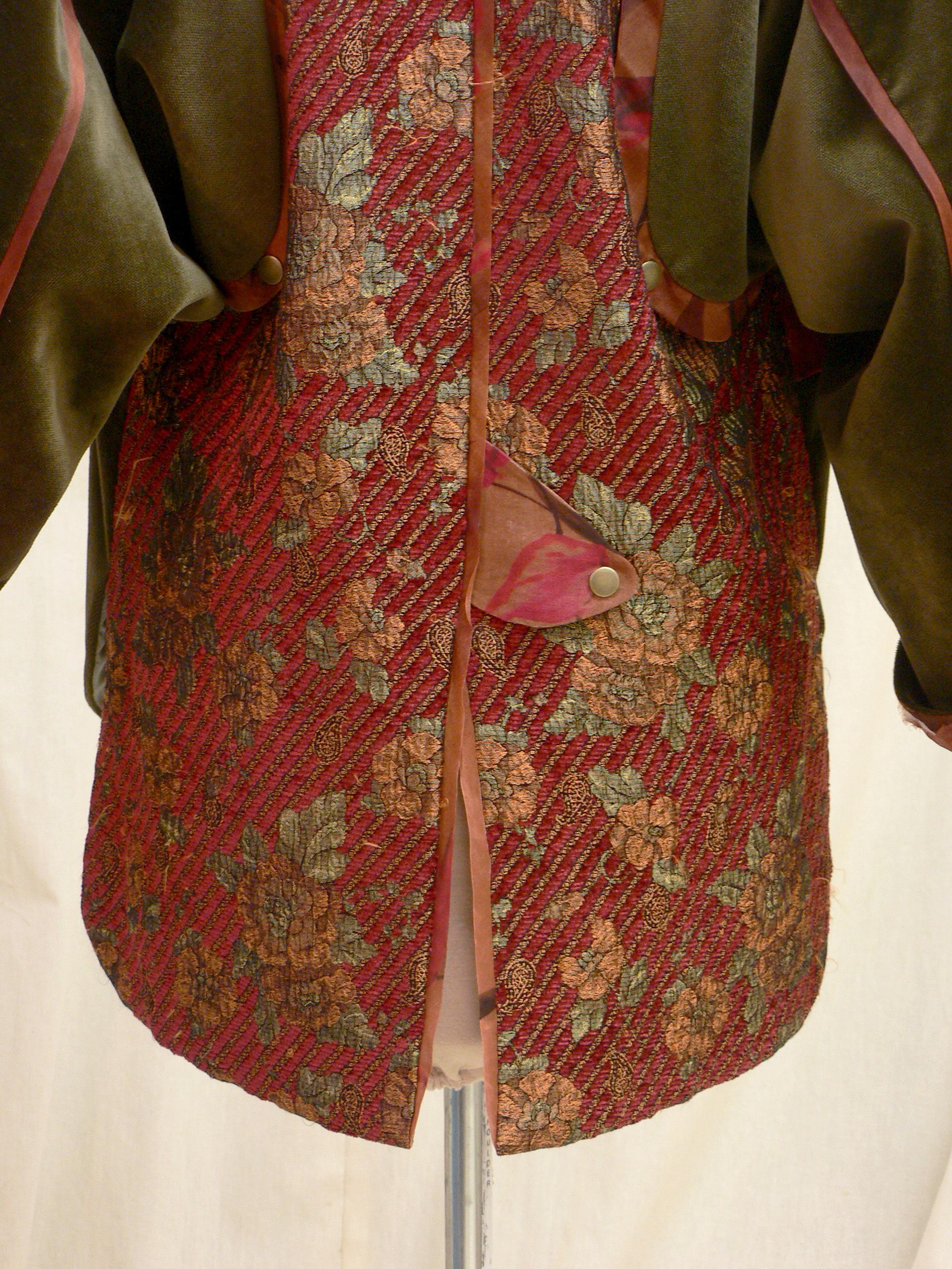 jacket06_back_detail2.jpg