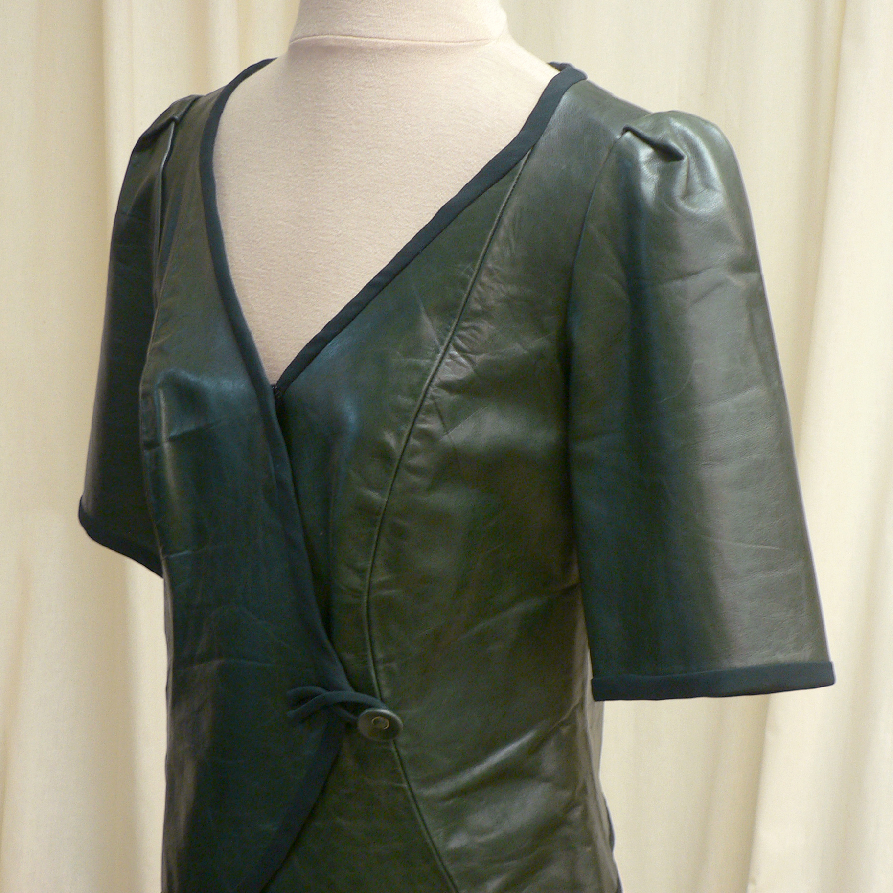 ensemble07_front_detail3.jpg