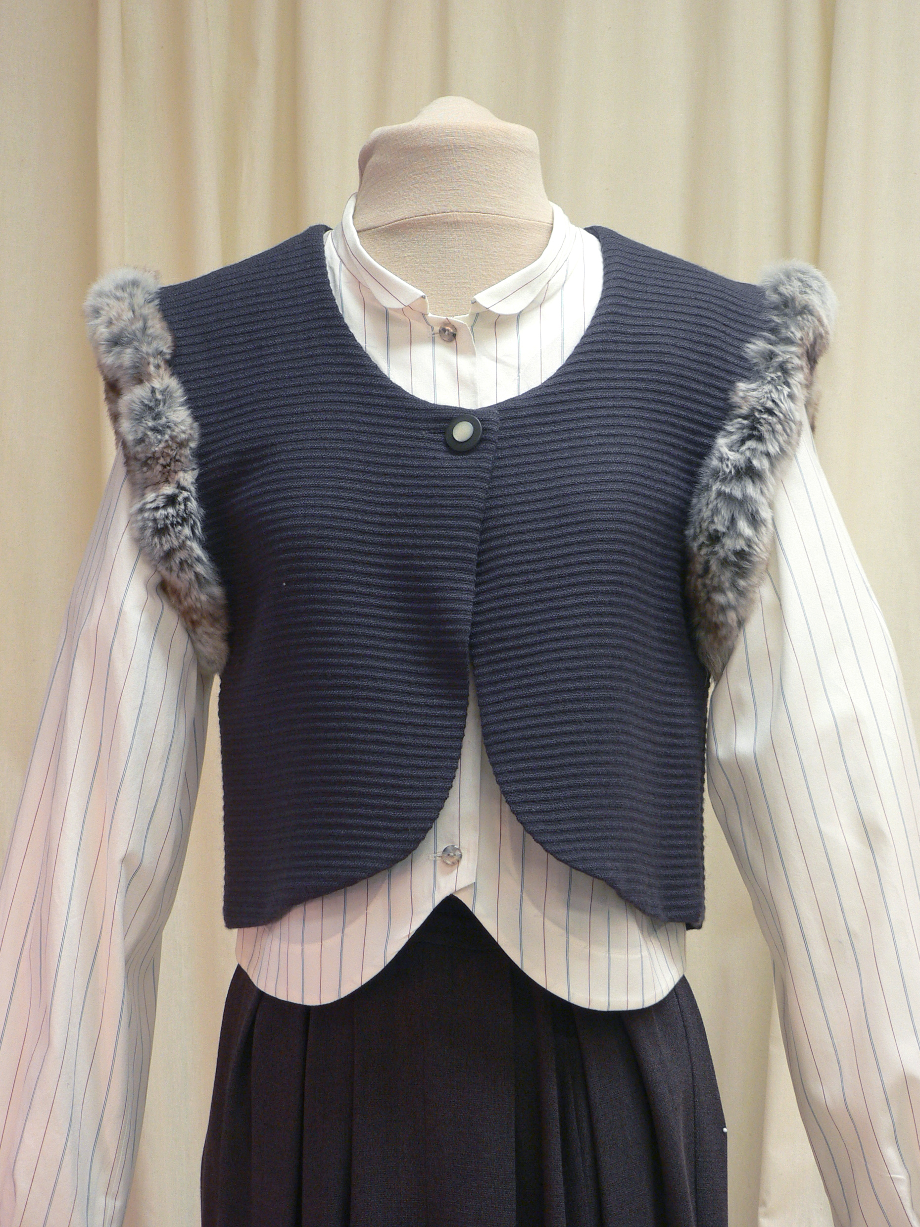ensemble08_front_detail.jpg