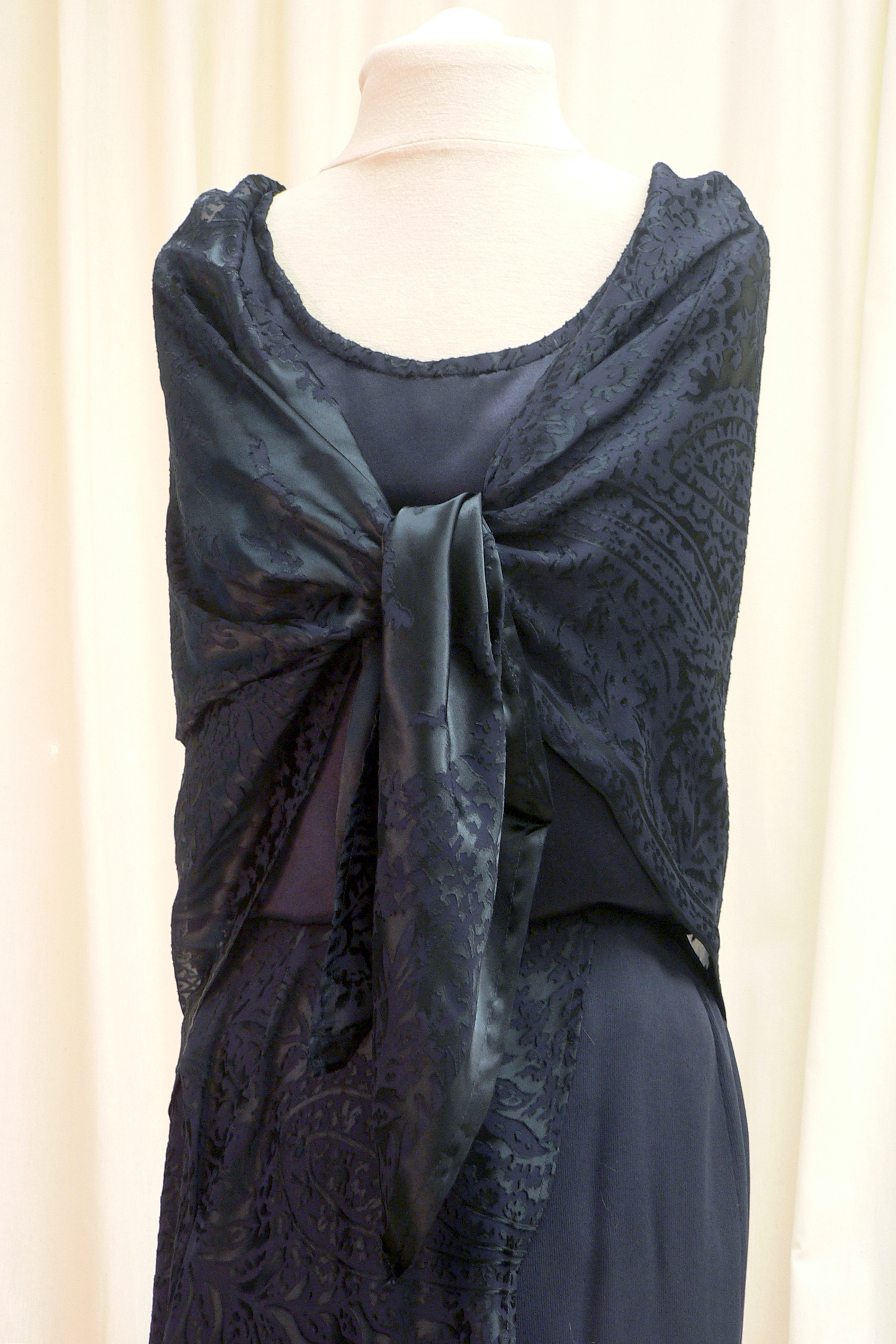 ensemble09_front_detail.jpg
