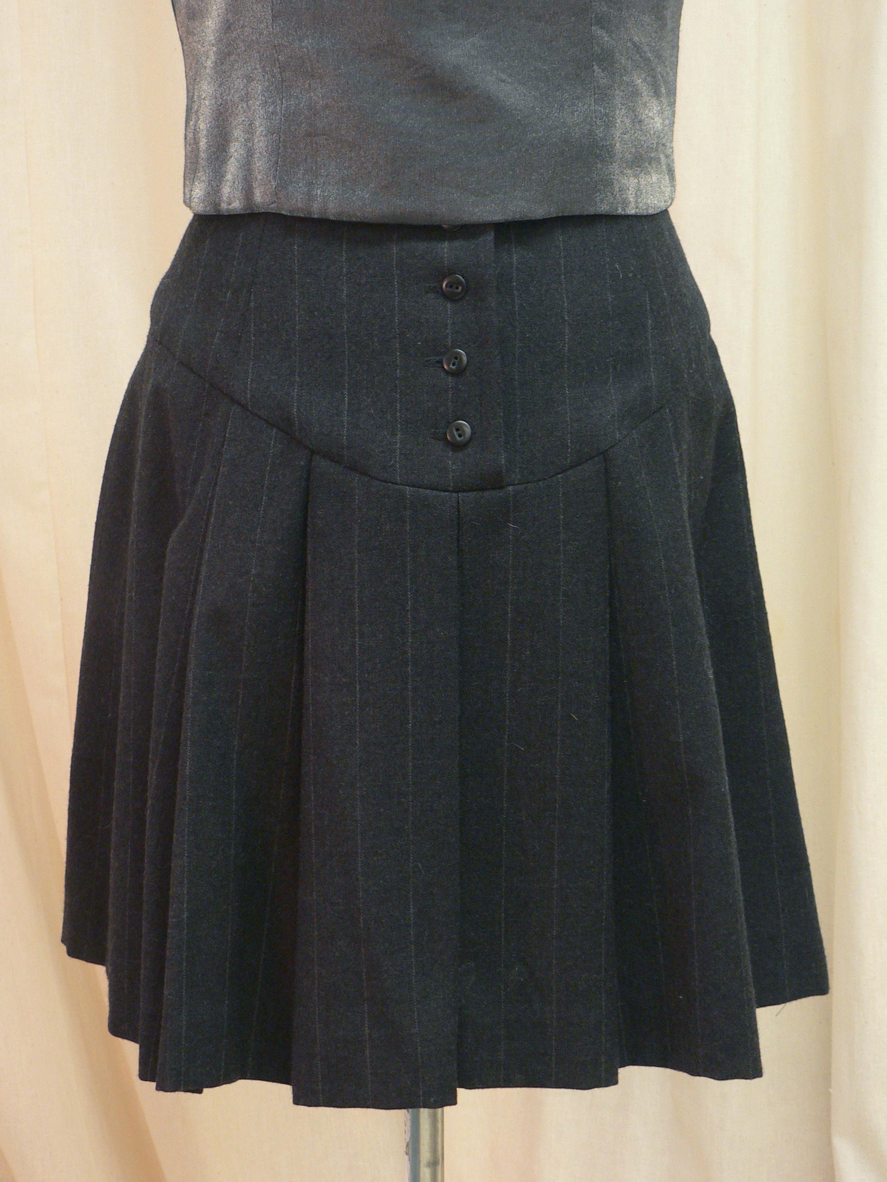 ensemble14_skirt_back_detail.jpg