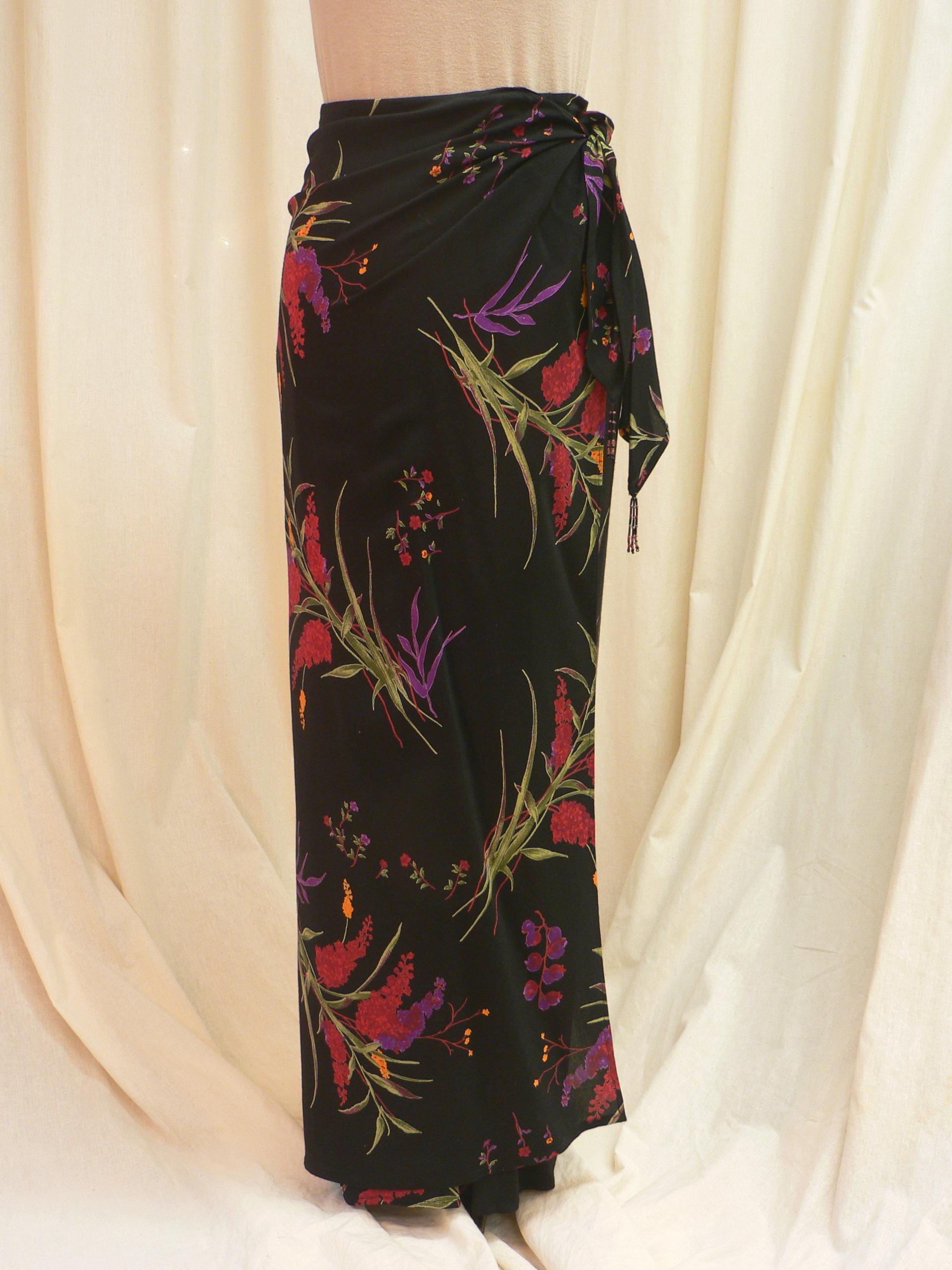 skirt03_front1.JPG