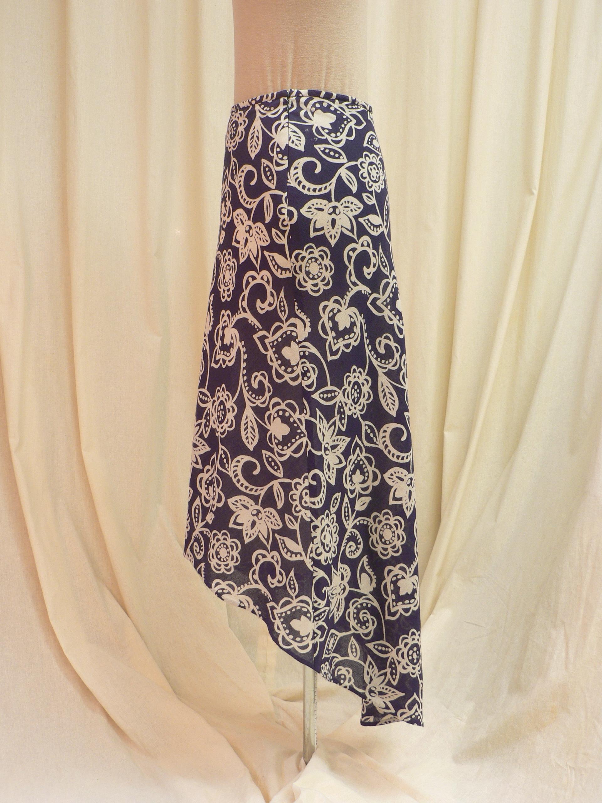 skirt06_side2.JPG