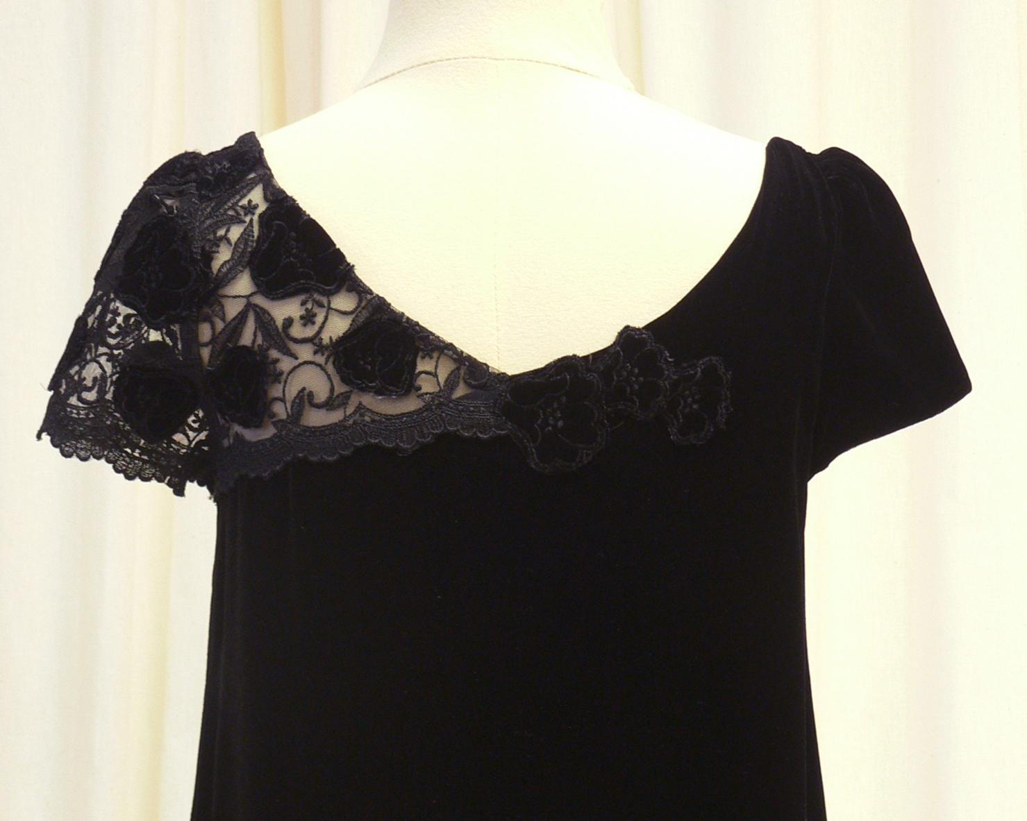 dressy011_back_detail_neck.jpg