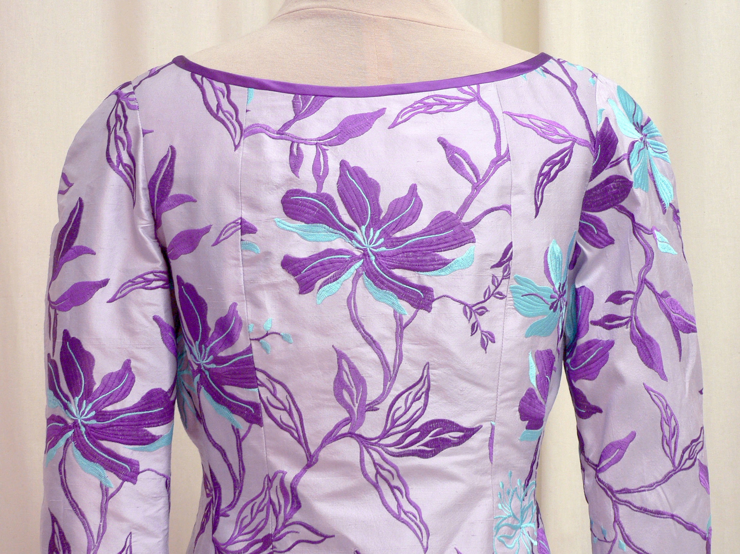 2013-03 back neckline detail.jpg