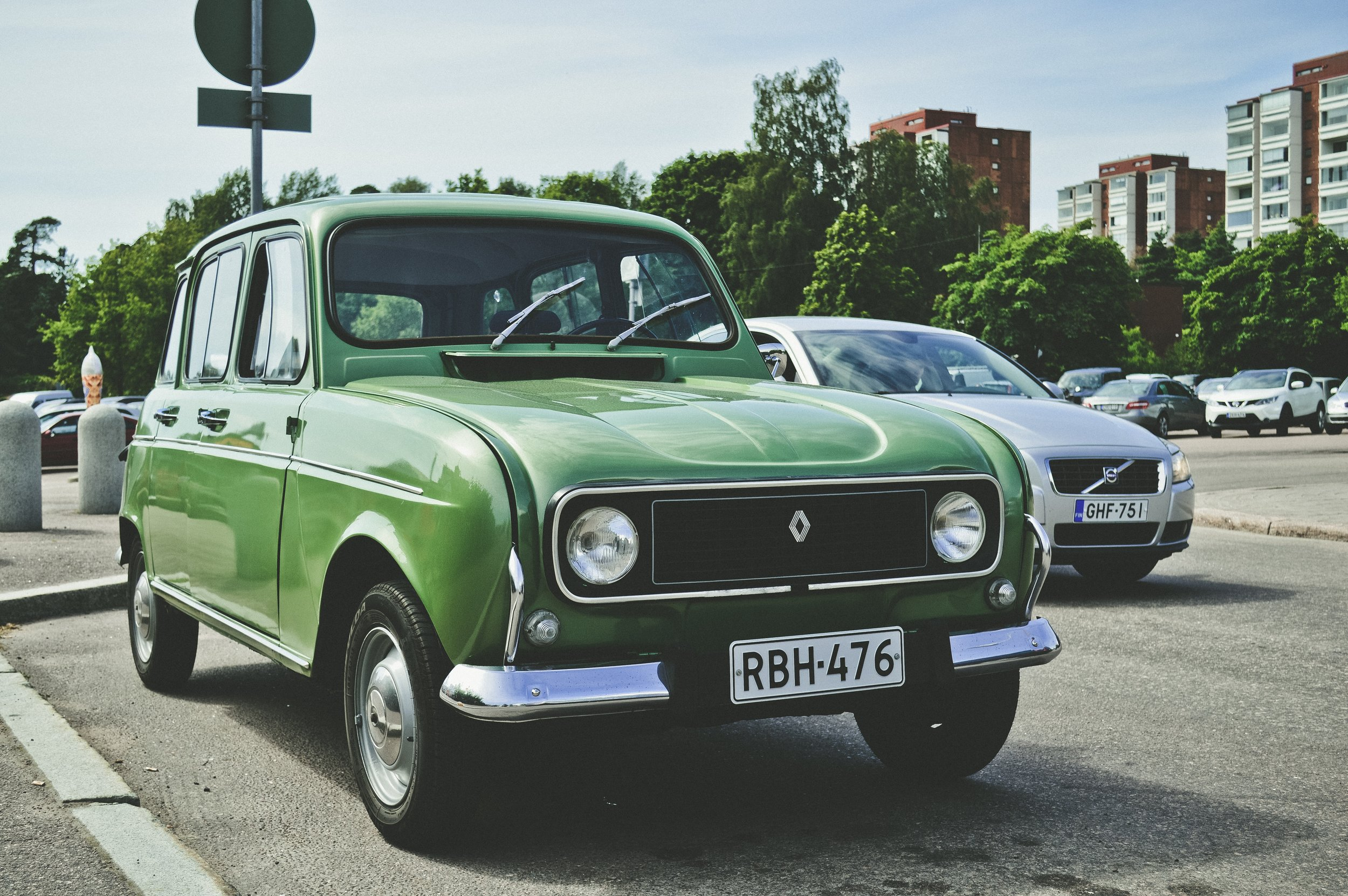 asphalt-auto-automobile-949796.jpg