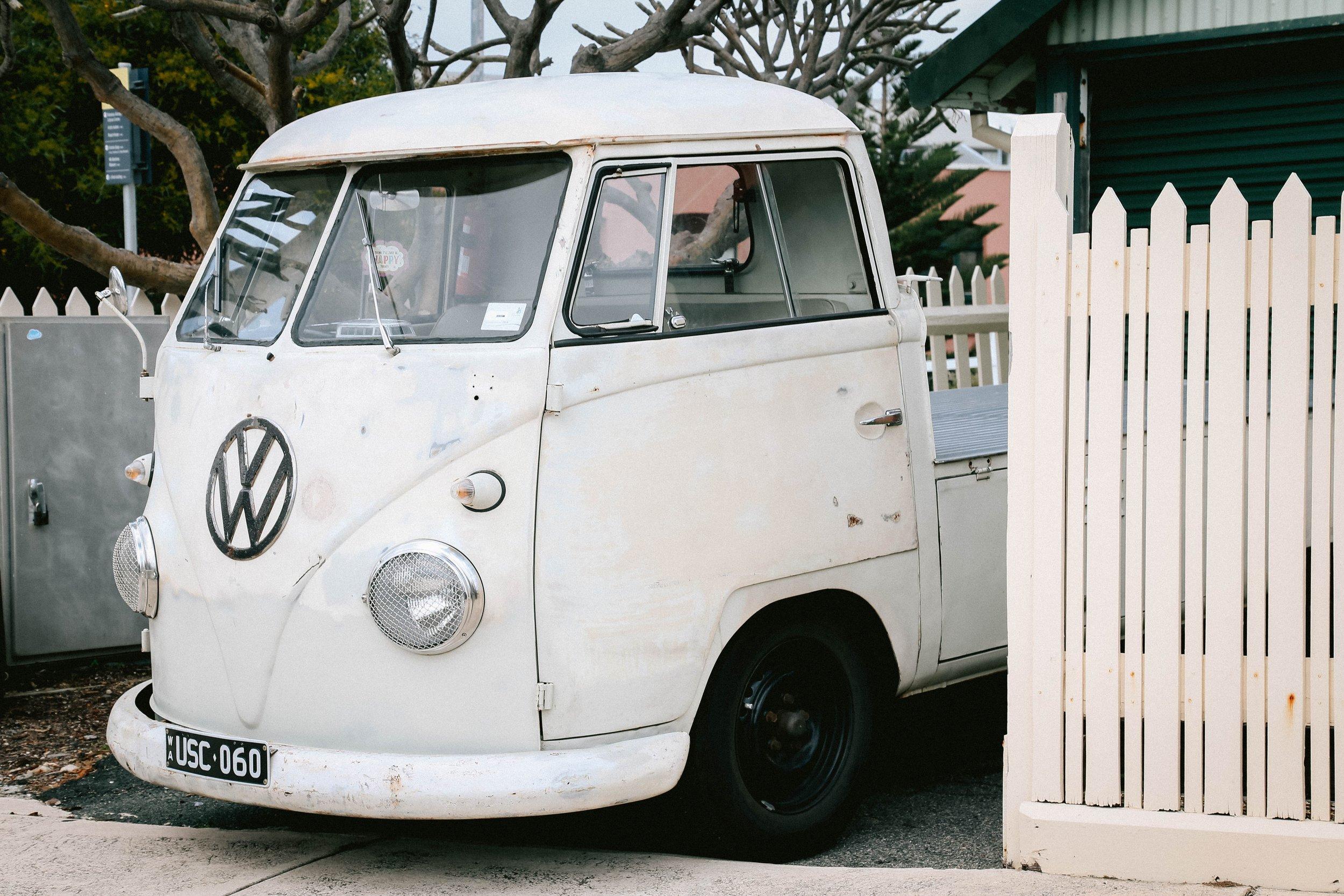 automobile-classic-classic-car-1405786.jpg