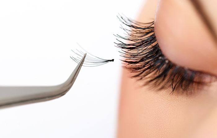 eyelash-extenions-cork.jpg