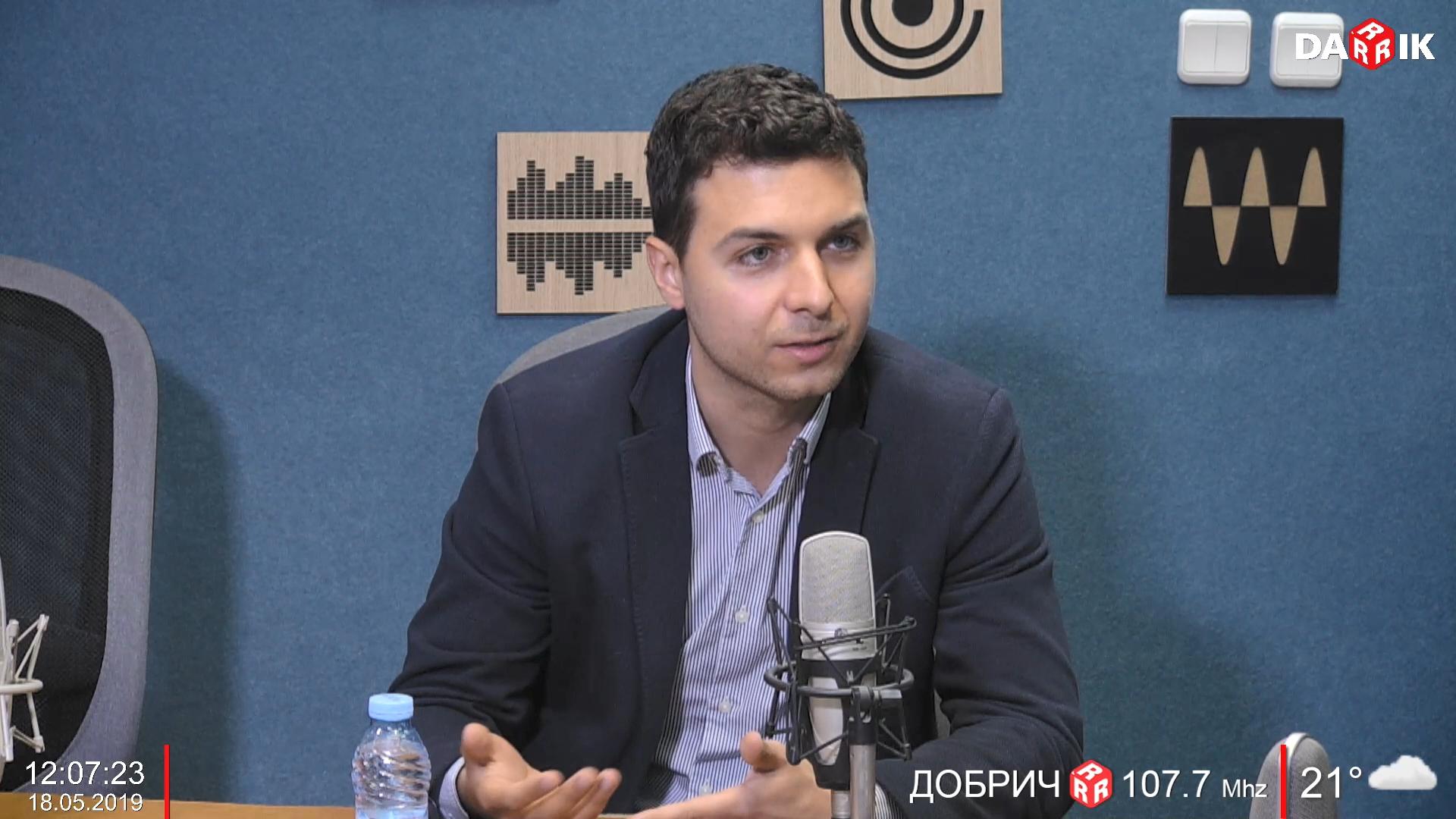 Никола Апостолов в Дарик Радио