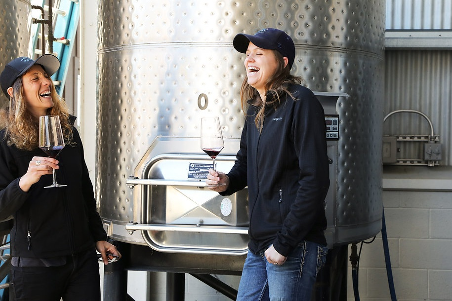 Camille and Anne, winemakers of Belharra.