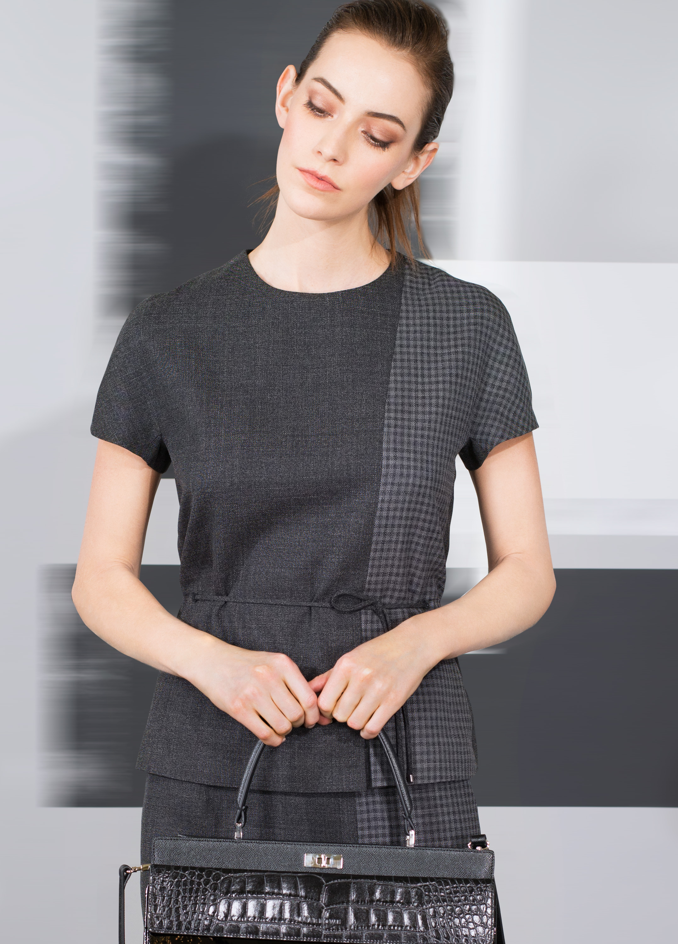 Voile fine wool with micro plaid front pleat top and skirt  black oyster indigo blue   Patent with crocodile and fine texture calf-skin single handle bag