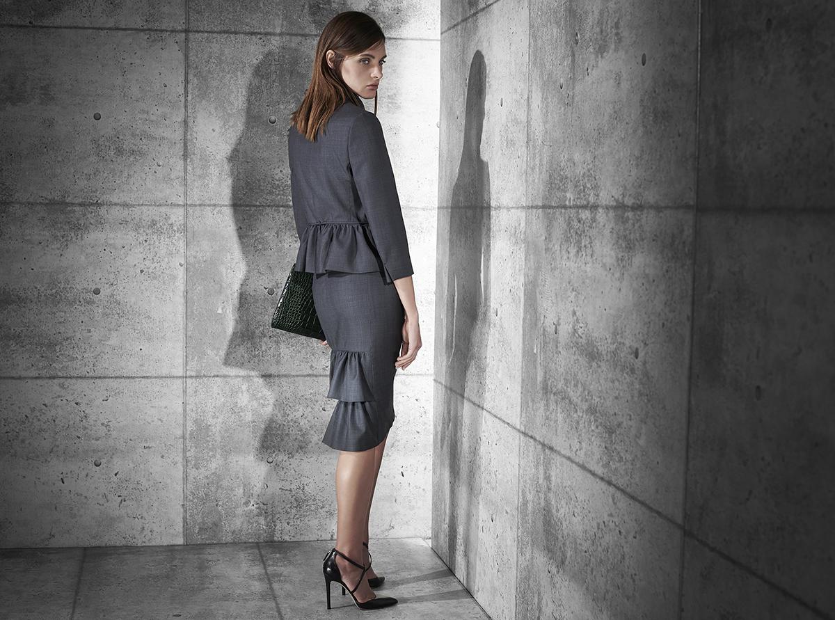Italian-women's-suit.jpg