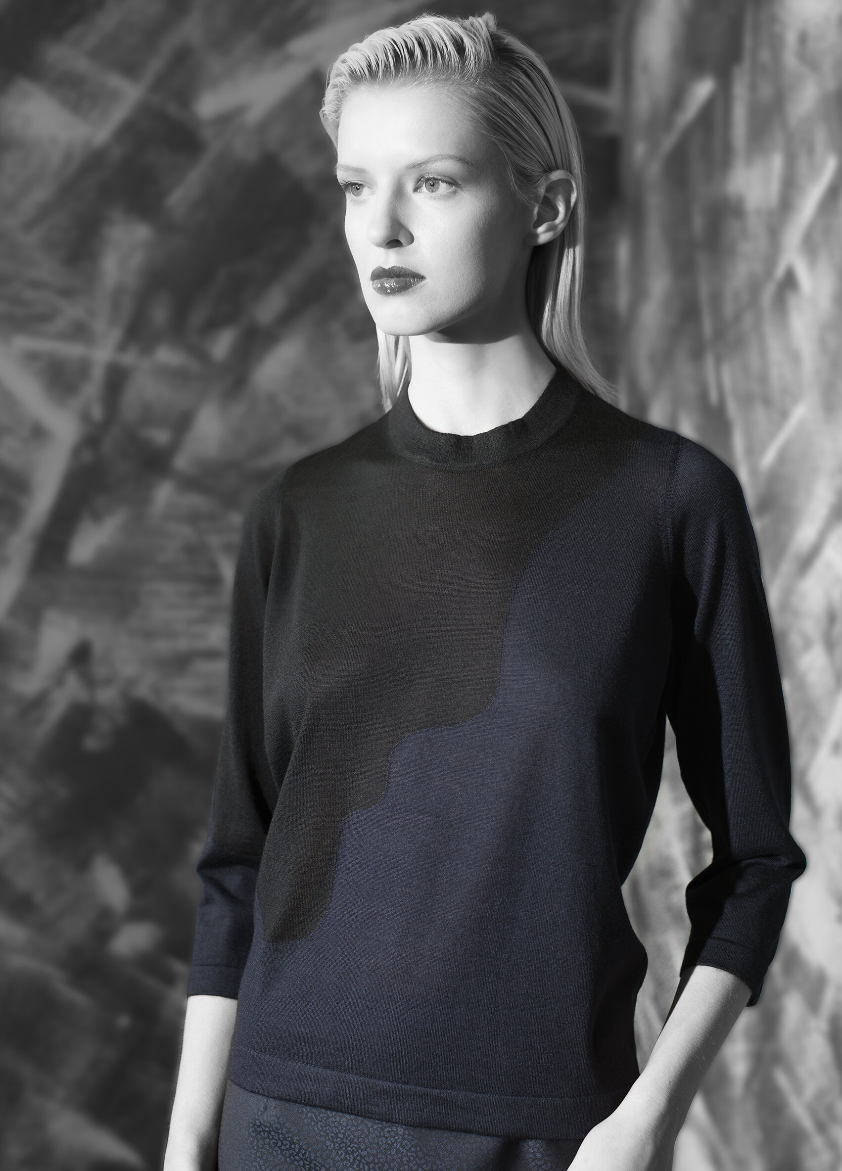 """""""Second skin"""" cashmere abstract two tone crew neck  onyx with graphite midnight opal with onyx"""
