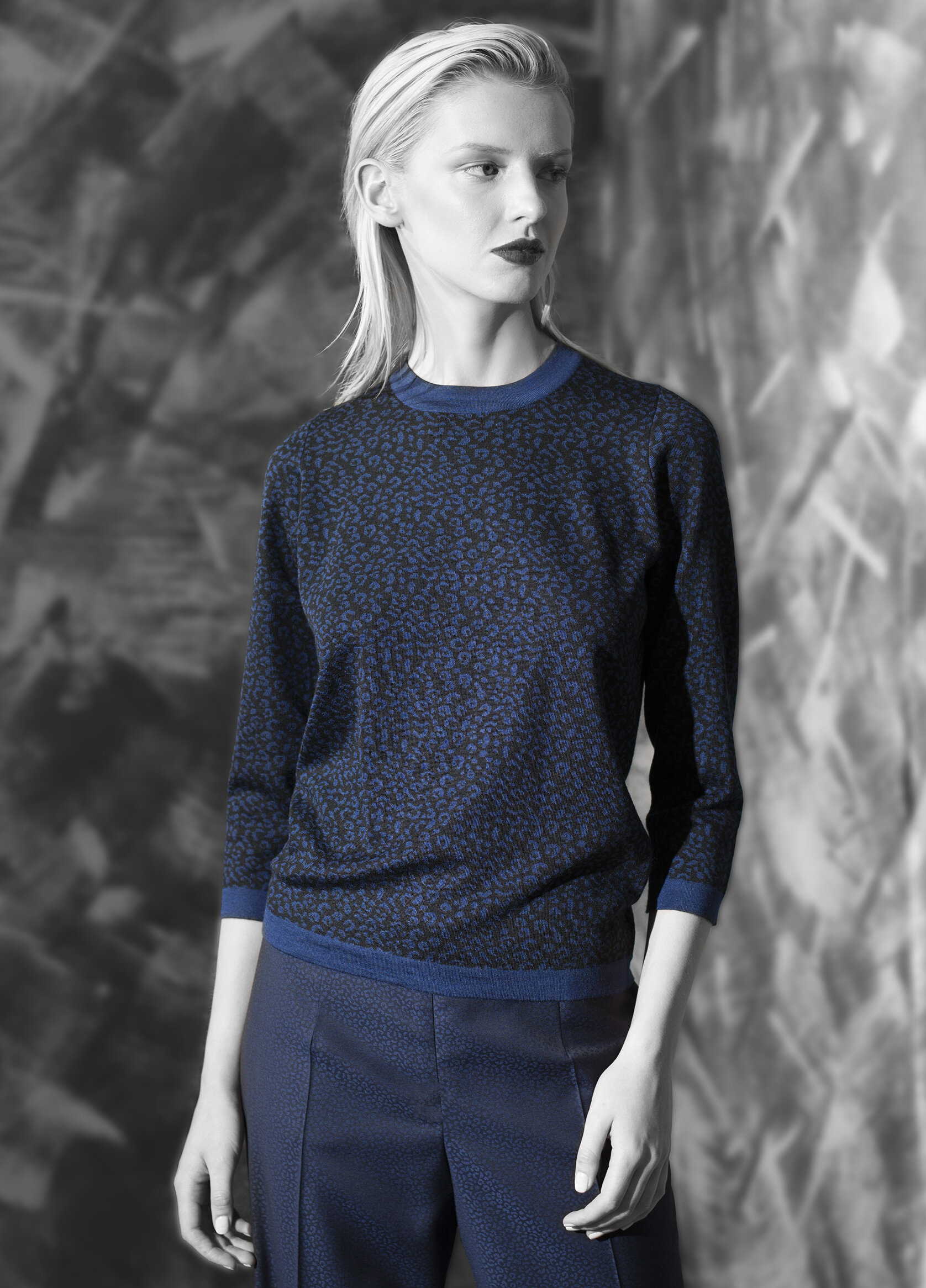 Abstract jacquard ultra fine cashmere crew neck  teal onyx with onyx azurite with onyx