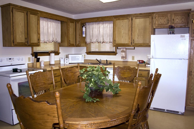 Cabin 3_kitchen1.jpg