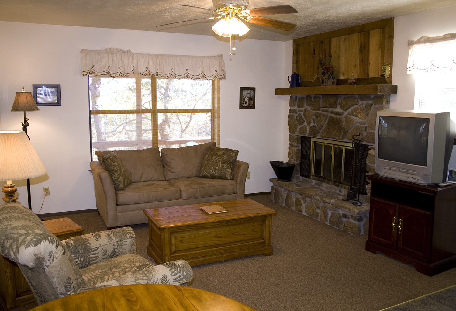 Cabin 9_living room.jpg