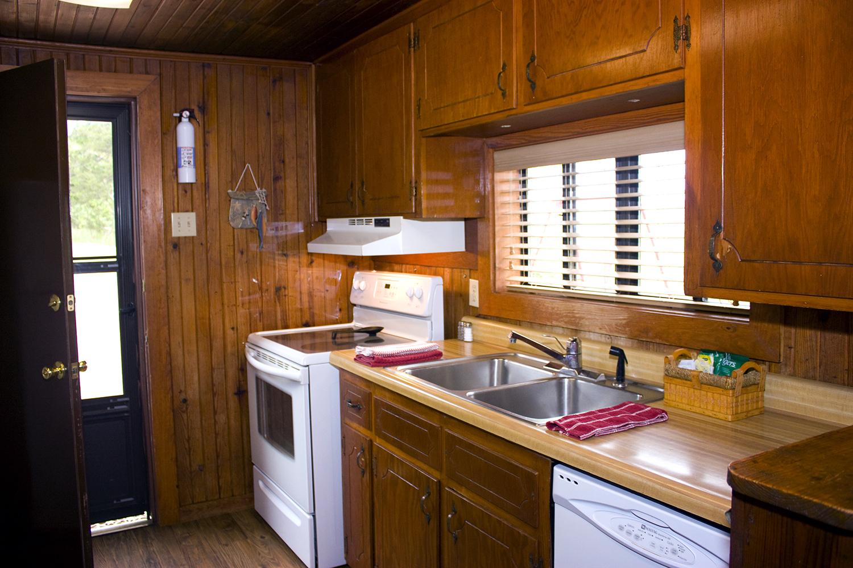10 Int Kitchen.jpg