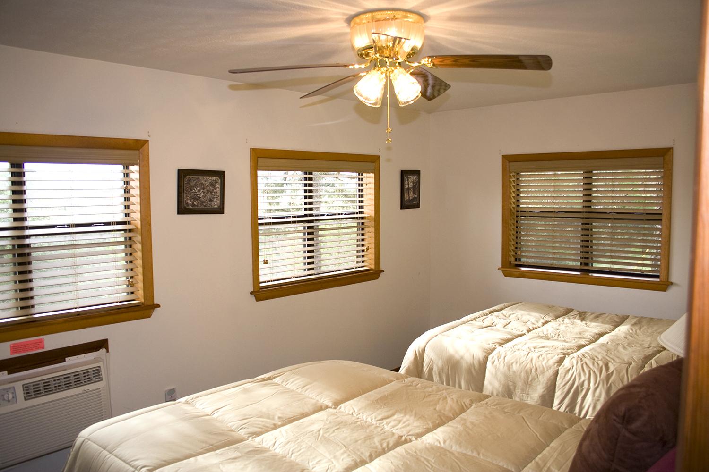 10 bedroom1.jpg