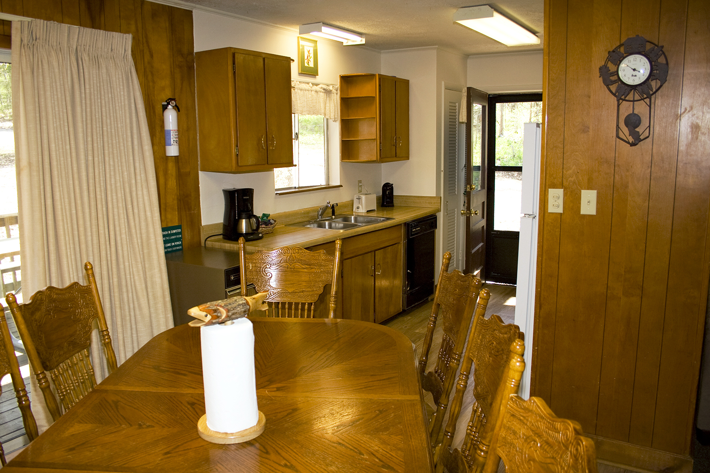 11 kitchen2.jpg