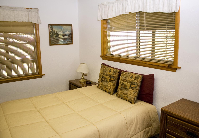 11 bedroom2.jpg