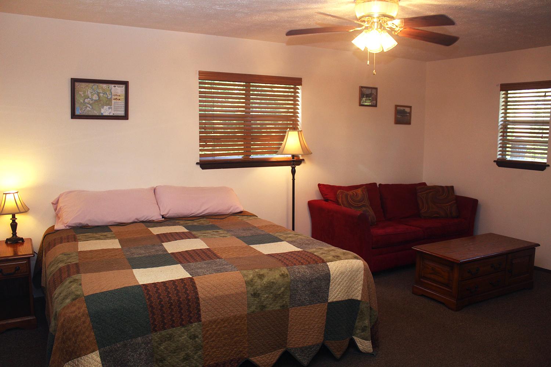Cabin 2 bed2.jpg