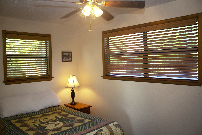 Cabin 3 bedroom 2.jpg