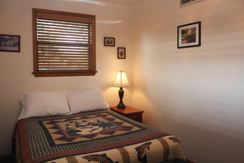Cabin 3 bedroom 1 opt.jpg