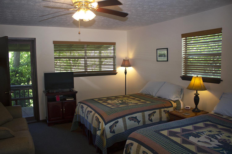 Cabin 5 beds1.jpg