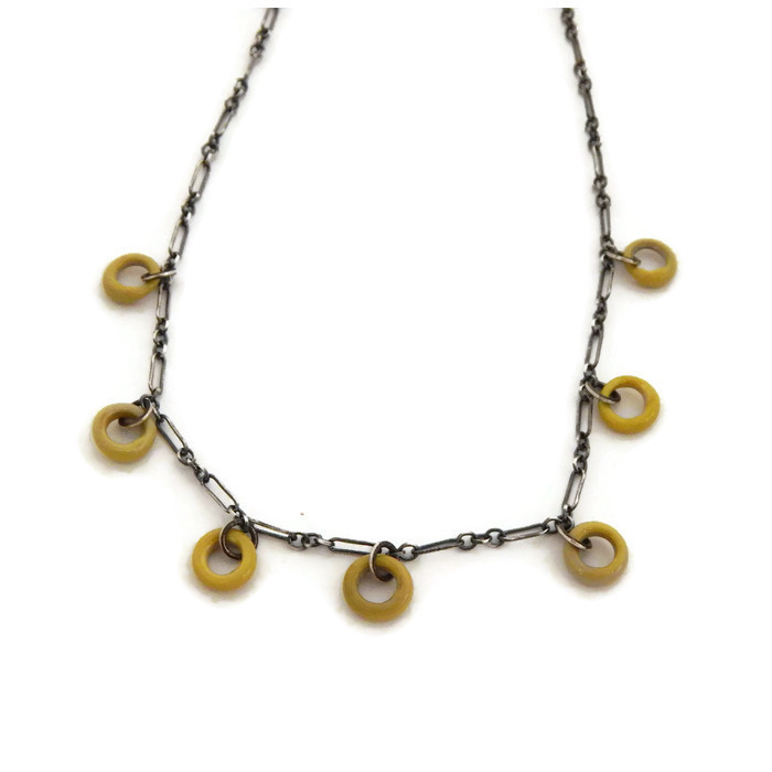 pea_green_circle_necklace_.jpg