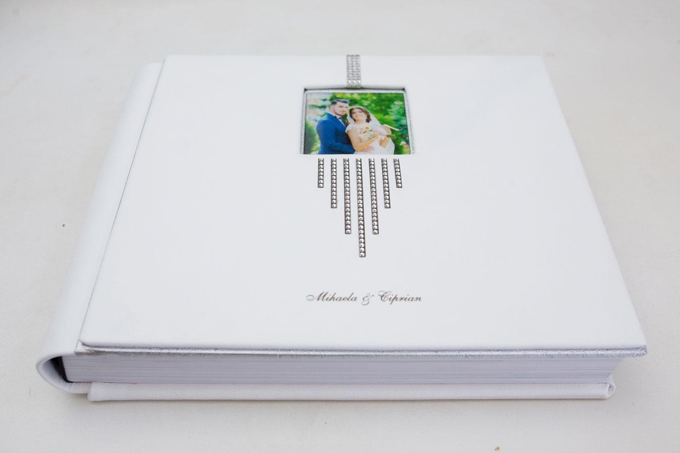 album-nunta-cu-cristale-SWAROVSKI.jpg