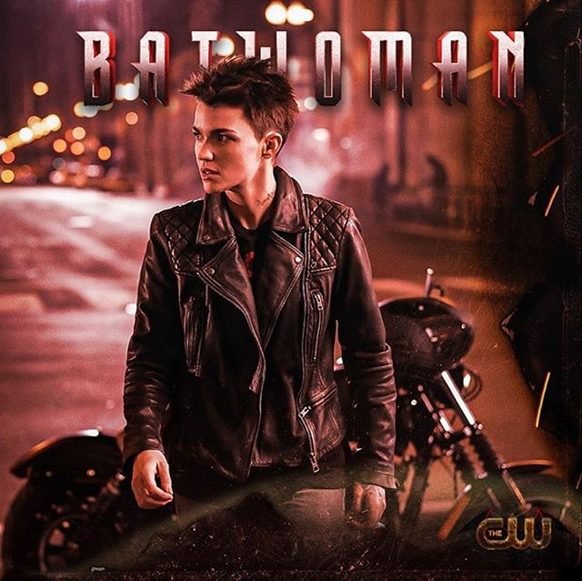 Who watched the premiere of @cwbatwoman on Sunday?!! If you missed it you can stream it on @thecw app! Support women and our girl @kellyota by supporting this incredible show! 🖤😘🖤