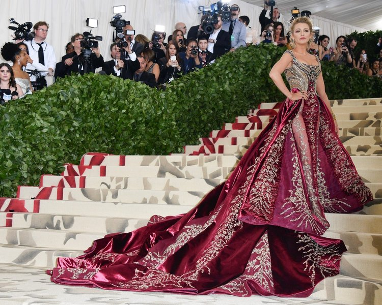 2018 Heavenly Bodies: Fashion and the Catholic Imagination