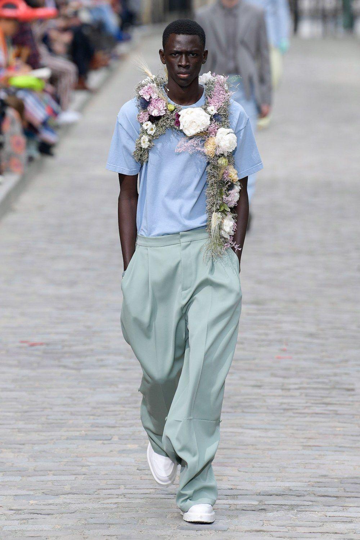 https___hypebeast.com_image_2019_06_louis-vuitton-men-spring-summer-2020-paris-fashion-week-runway-show-07.jpg